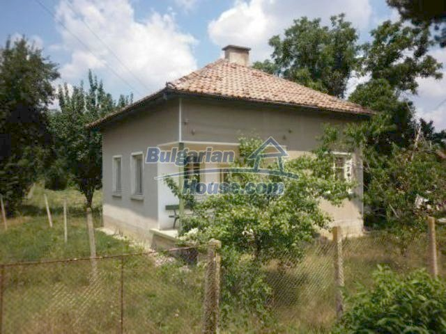 11227:1 - Two pretty houses with a sunny garden near Vratsa