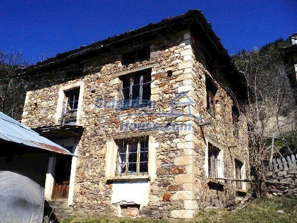 11232:1 - Nice property with a garden in a mountainous region