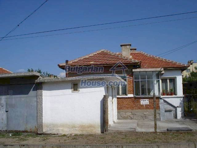 11238:2 - Single-storey house in very good condition in Elhovo