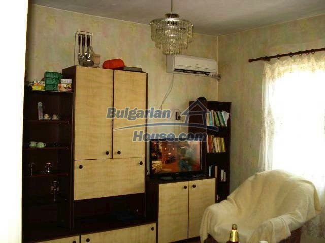 11238:4 - Single-storey house in very good condition in Elhovo