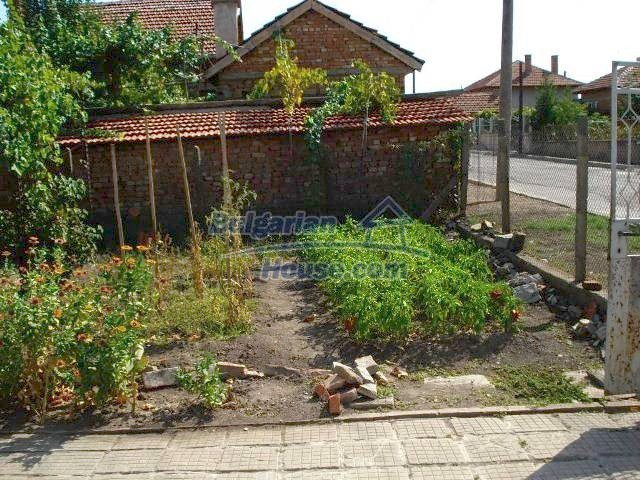 11238:11 - Single-storey house in very good condition in Elhovo