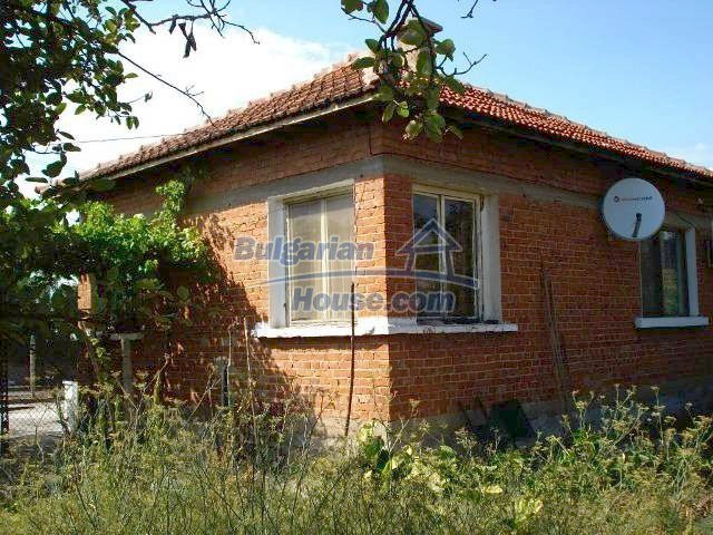11238:12 - Single-storey house in very good condition in Elhovo