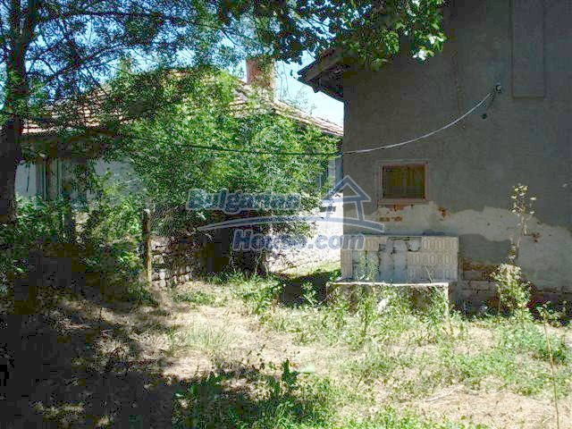 11250:5 - Well maintained rural house with a landscaped garden near Elhovo