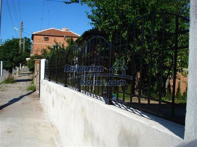 11251:20 - Renovated house in excellent condition in Elhovo