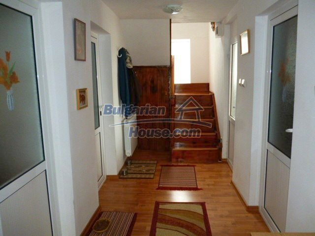 11262:3 - Gorgeous furnished house with a swimming pool near Elhovo