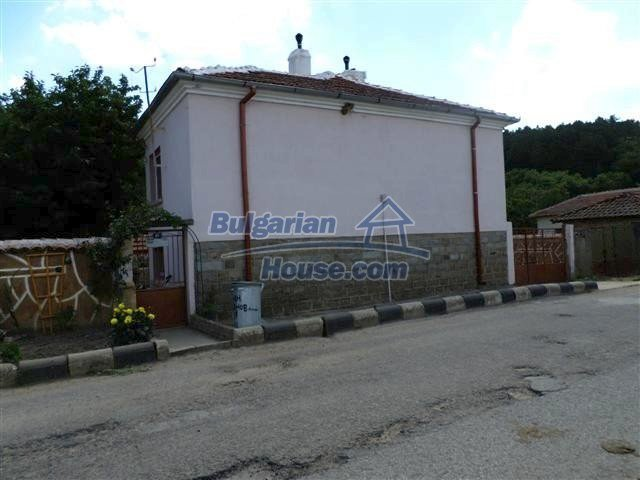 11273:2 - Cheap furnished and equipped rural house near Elhovo
