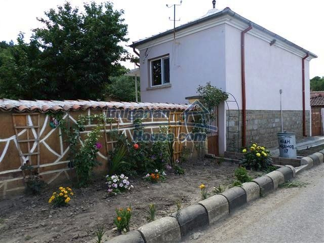 11273:3 - Cheap furnished and equipped rural house near Elhovo