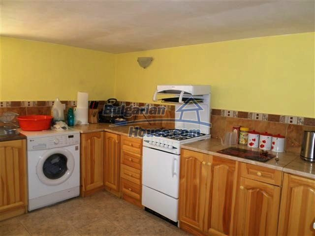 11273:6 - Cheap furnished and equipped rural house near Elhovo