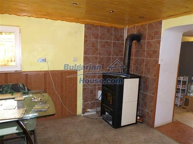 11273:8 - Cheap furnished and equipped rural house near Elhovo