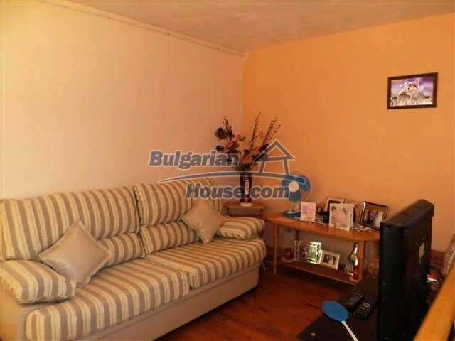 11273:10 - Cheap furnished and equipped rural house near Elhovo