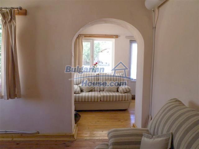 11273:14 - Cheap furnished and equipped rural house near Elhovo