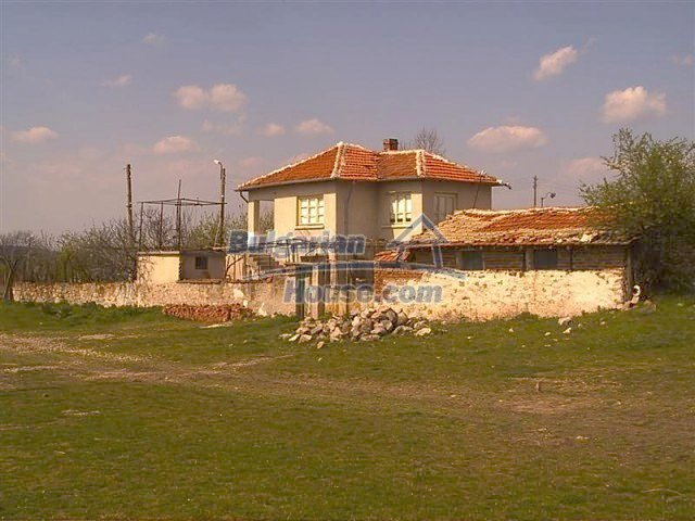 11283:2 - Cozy furnished rural house near a mountain in Yambol region