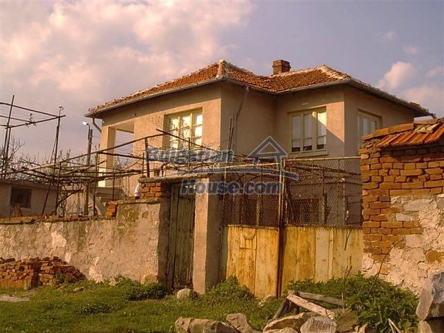 11283:3 - Cozy furnished rural house near a mountain in Yambol region