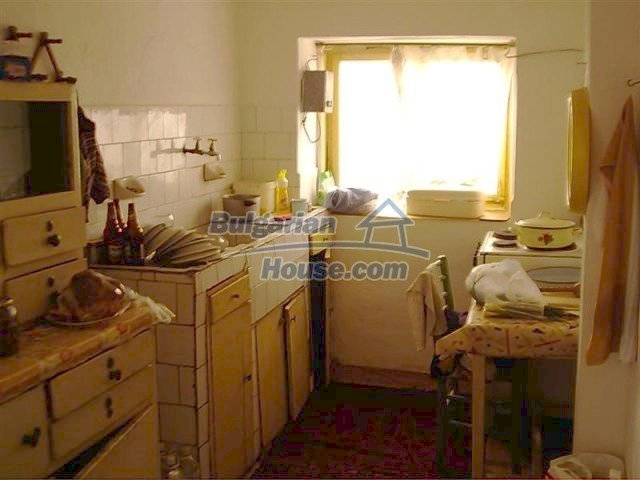 11283:6 - Cozy furnished rural house near a mountain in Yambol region
