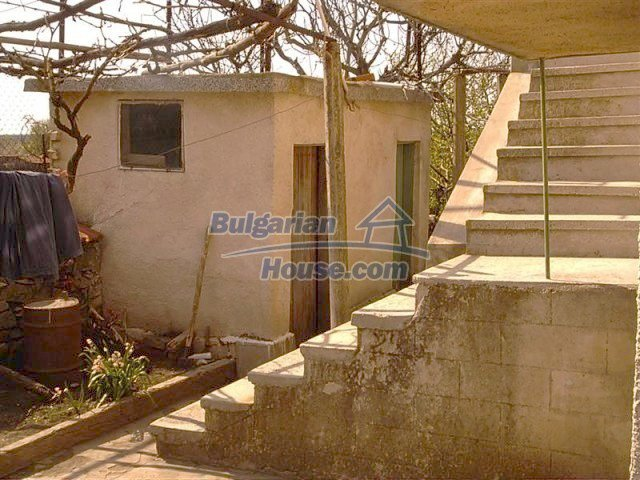 11283:10 - Cozy furnished rural house near a mountain in Yambol region