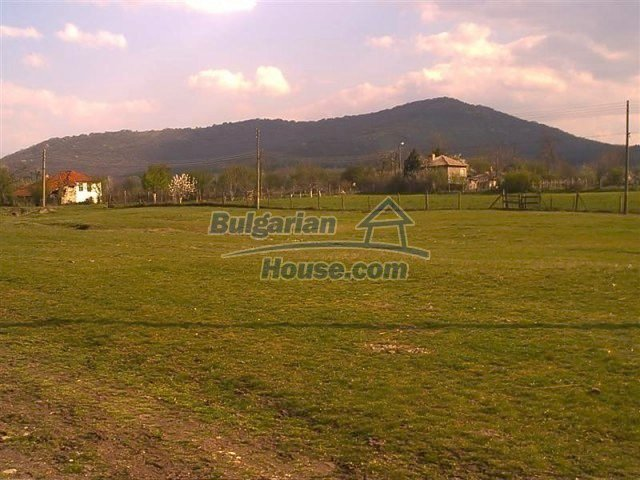11283:16 - Cozy furnished rural house near a mountain in Yambol region