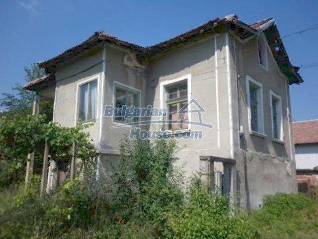11286:2 - Old rural house in good condition near Vratsa