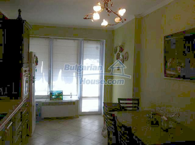 11289:2 - Spacious partly furnished seaside apartment in Burgas