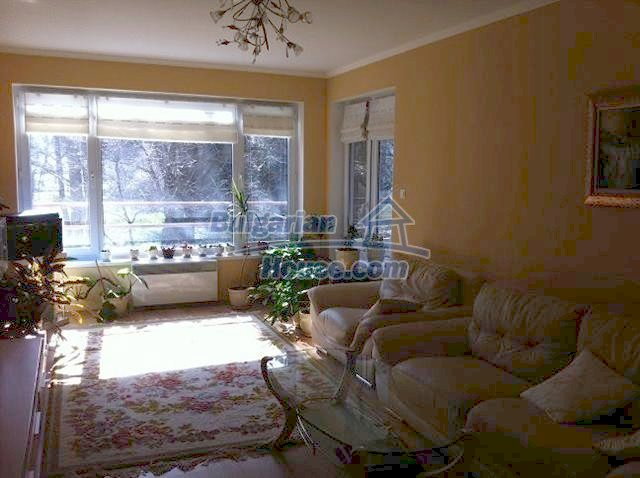 11289:3 - Spacious partly furnished seaside apartment in Burgas