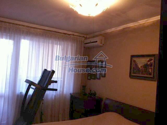 11289:7 - Spacious partly furnished seaside apartment in Burgas