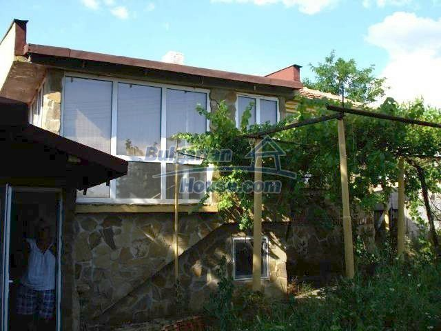 11290:2 - Very well presented rural house in Yambol region