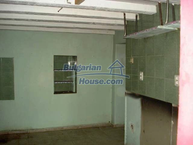11290:17 - Very well presented rural house in Yambol region