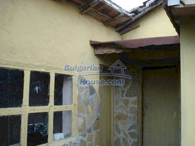 11290:20 - Very well presented rural house in Yambol region