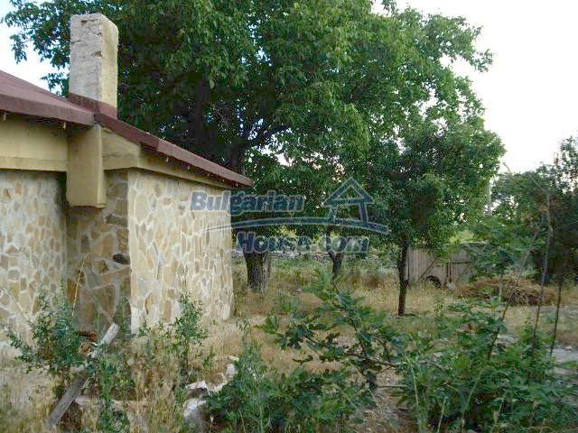 11290:21 - Very well presented rural house in Yambol region
