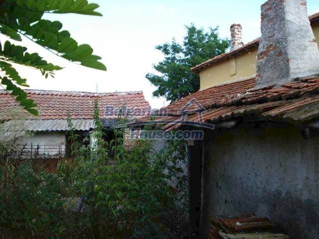 11290:24 - Very well presented rural house in Yambol region