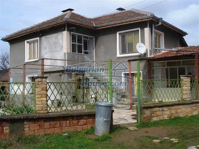 11293:2 - Cheap cozy rural house with a spacious garden near Elhovo