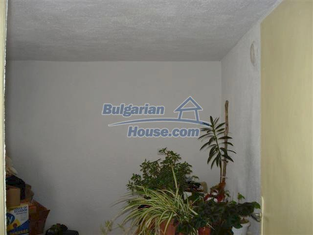 11293:4 - Cheap cozy rural house with a spacious garden near Elhovo