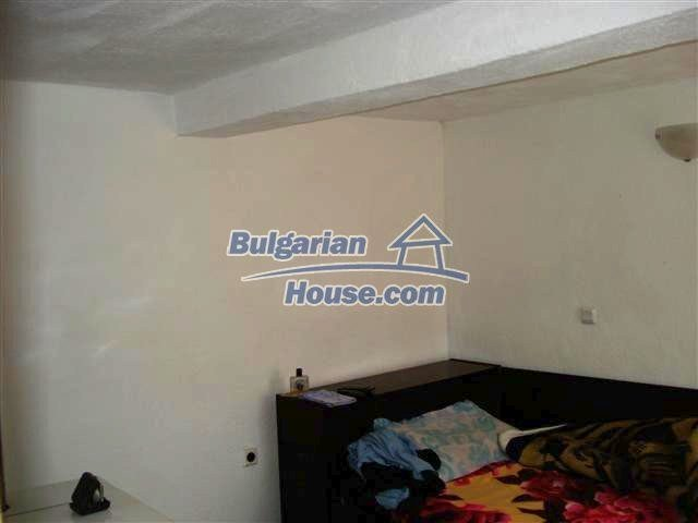 11293:6 - Cheap cozy rural house with a spacious garden near Elhovo