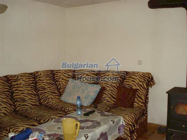 11293:11 - Cheap cozy rural house with a spacious garden near Elhovo