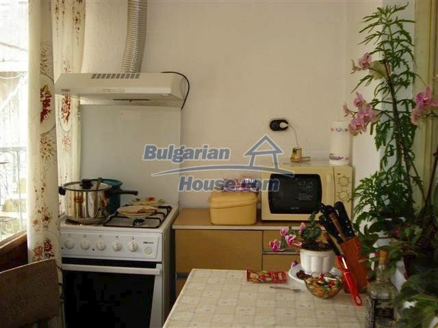 11293:12 - Cheap cozy rural house with a spacious garden near Elhovo