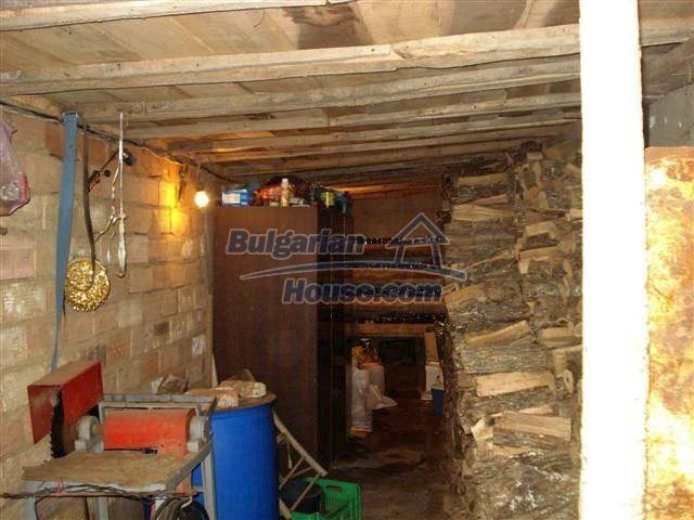 11293:15 - Cheap cozy rural house with a spacious garden near Elhovo