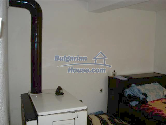 11293:7 - Cheap cozy rural house with a spacious garden near Elhovo