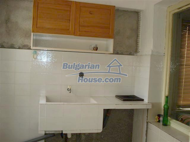 11293:10 - Cheap cozy rural house with a spacious garden near Elhovo