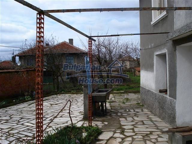 11293:16 - Cheap cozy rural house with a spacious garden near Elhovo