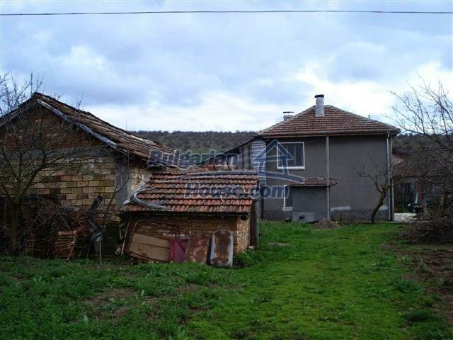 11293:20 - Cheap cozy rural house with a spacious garden near Elhovo