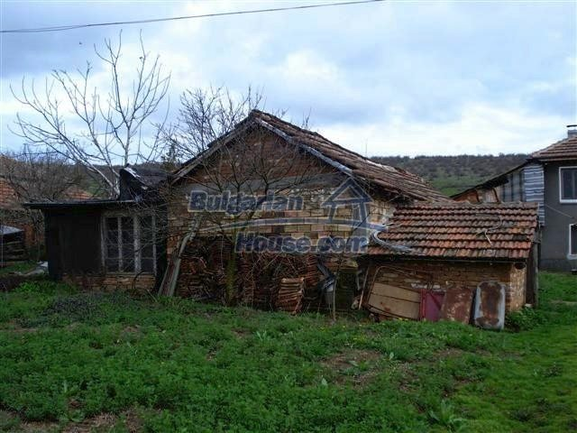 11293:22 - Cheap cozy rural house with a spacious garden near Elhovo