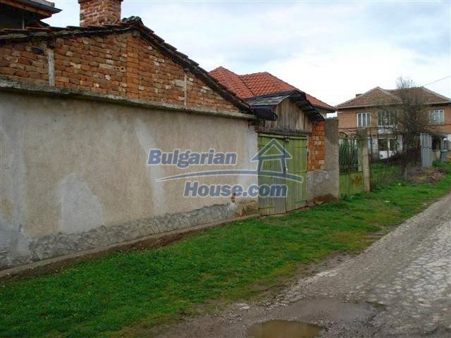 11293:26 - Cheap cozy rural house with a spacious garden near Elhovo