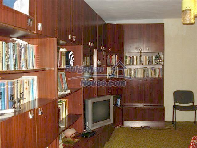 11294:1 - Cozy and cheap apartment in good condition in Elhovo