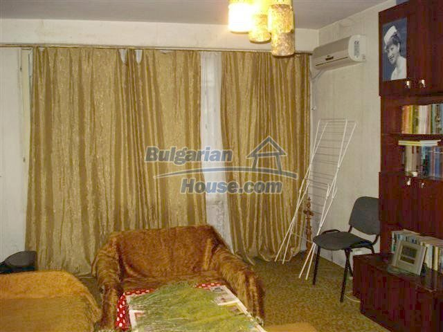 11294:3 - Cozy and cheap apartment in good condition in Elhovo
