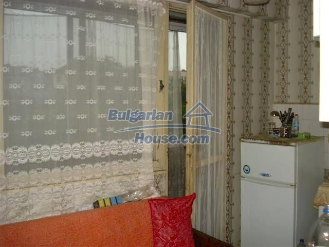 11294:7 - Cozy and cheap apartment in good condition in Elhovo