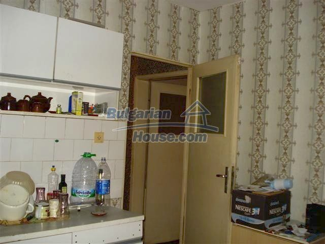 11294:8 - Cozy and cheap apartment in good condition in Elhovo