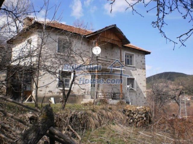 11296:2 - Charming house close to the beautiful spa resort of Banite