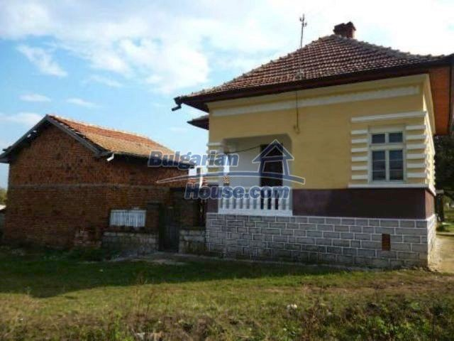 11310:4 - Well maintained rural house with a vast garden 18 km from Vratsa