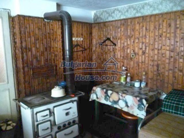 11310:13 - Well maintained rural house with a vast garden 18 km from Vratsa