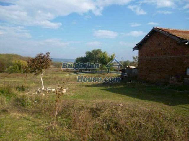 11310:17 - Well maintained rural house with a vast garden 18 km from Vratsa