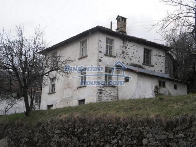 11324:2 - Two-storey house with a large sunny garden in a mountain